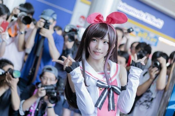 cette_annee_au_world_cosplay_summit_enako_a_fait_sensation_avec_un_cosplay_de_kizuna_ai_7962