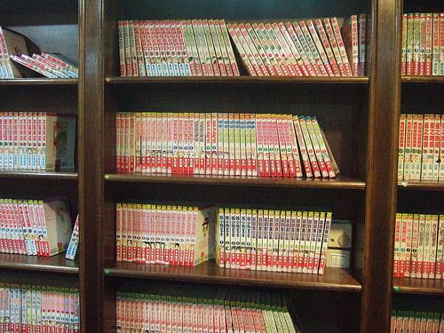 Inside-a-Manga-Cafe